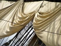 sails again