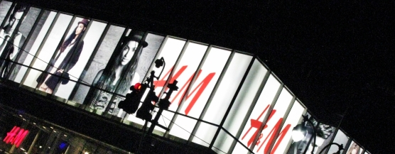 H& M at the night