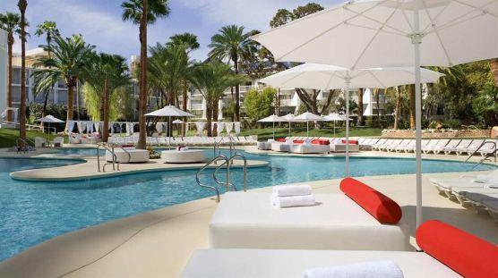 tropican pool - hotels se