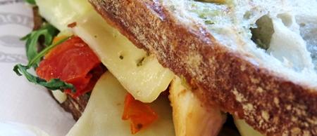grilled chicken pesto sandwich
