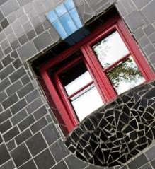 Kunst Haus window