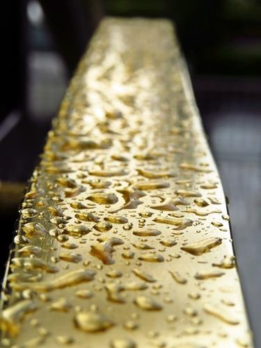 rain on gold, caesar palace