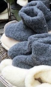 keeping feet warm