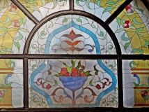 Çiçek Pasaji stain window