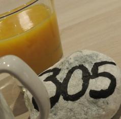breakfast table number
