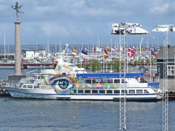 eye catching ferry
