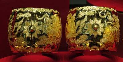 pure gold, hong kong