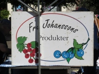 fresh berries stall