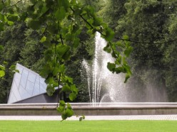 Fountain & entrance