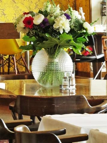 restaurant beauties
