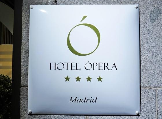 opera-sign