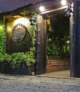 restaurant-entrance