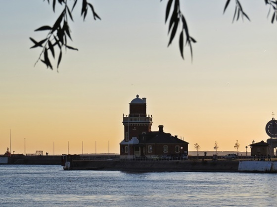 helsingborg-pilot-and-lighthouse