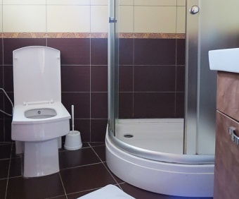 hotel-prima-shower-room