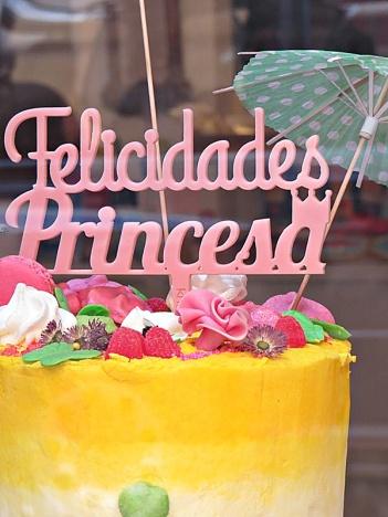 market-pretty-cake