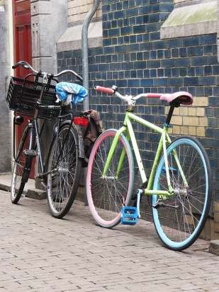 pastel bike