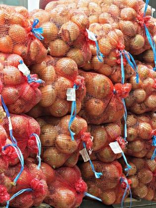market - onion