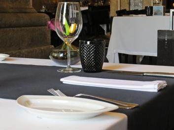 O - table setting