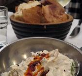 meze - bread